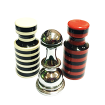 We offer a wide range of casino accessories and playing cards of different well known manufacturers.